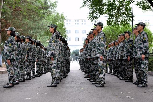 2019级本科新生军训动员大会举行